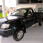 Tata Xenon RX at the 2014 Indonesia International Motor Show front quarter