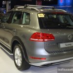 VW Touareg rear left three quarter at the Philippines Motor Show 2014