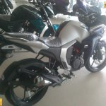 Yamaha Fazer FI V2.0 spied rear three quarter