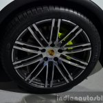 2015 Porsche Cayenne S E-Hybrid Wheel at the Paris Motor Show 2014