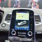2015 Renault Espace infotainment display at the 2014 Paris Motor Show