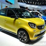 2015 Smart ForFour dual-tone front three quarter at 2014 Paris Motor Show