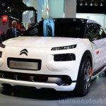 Citroen Cactus Airflow 2L Concept front three quarters 2:2 at the 2014 Paris Motor Show