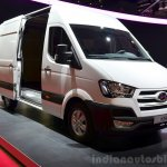 Hyundai H350 front three quarter at the 2014 Paris Motor Show