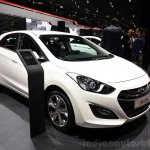 Hyundai i30 CNG at the 2014 Paris front three quarter Motor Show
