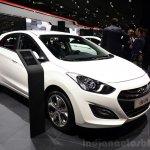 Hyundai i30 CNG at the 2014 Paris front three quarter Motor Show