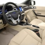 2015 Ford Endeavour cabin