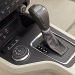 2015 Ford Endeavour gear