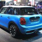 2015 Mini Cooper 5-door Hardtop rear three quarters at the 2014 Los Angeles Auto Show