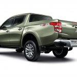 2015 Mitsubishi Triton rear quarter