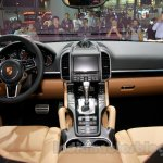 2015 Porsche Cayenne Facelift dashboard at the 2014 Guangzhou Auto Show