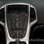Buick Excelle XT center console at 2014 Guangzhou Auto Show