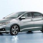 Honda Grace Hybrid front quarter