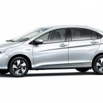 Honda Grace Hybrid side