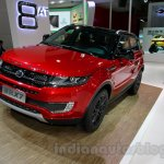 Landwind X7 front quarter at the Guangzhou Auto Show 2014