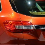 Live 2015 Ford Endeavour taillight