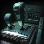 Mitsubishi Pajero facelift gear levers