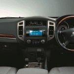 Mitsubisih Pajero facelift Malaysia interior