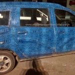 Renault Lodgy side spied in India