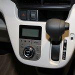 2015 Daihatsu Move gear leverl