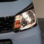 2015 Daihatsu Move headlamp