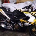 Bajaj Pulsar 200 SS ABS side spied without camouflage