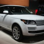 Range Rover front three quarter at the 2015 Detroit Auto Show