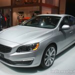 Volvo S60 Inscription front three quarters at the 2015 Detroit Auto Show