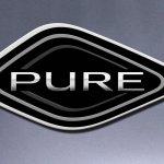 2015 Renault Captur Pure edition press shot badge