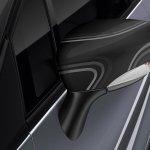 2015 Renault Captur Pure edition press shot wing mirror