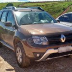 2015 Renault Duster facelift front three quarter Brazil spec spyshot