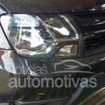 2015 Renault Duster (facelift) headlamp and grille for Brazil spied at or arriving at dealers