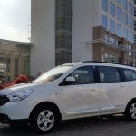 2015 Renault Lodgy Press Drive side quarter