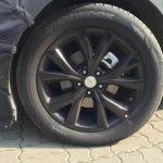 2016 Hyundai Santa Fe alloy wheel (facelift) spied in Korea