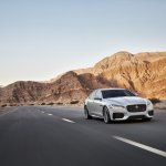 2016 Jaguar XF official image