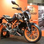 KTM 250 Duke front three quarter left