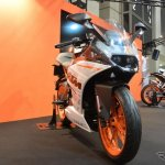 KTM RC250 front three quarter view