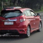 Toyota Yaris facelift rear spied