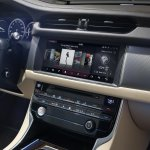 2016 Jaguar XF center console official image