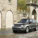 Range Rover SVAutubiography official image front three quarter