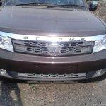 Tata Safari Storme facelift front fascia spied