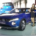 VW T-ROC front three quarter at the 2015 Seoul Motor Show