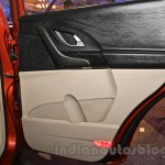 2015 Mahindra XUV500 facelift W10 door pockets