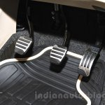 2015 Mahindra XUV500 facelift W10 pedals