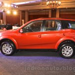 2015 Mahindra XUV500 facelift W10 side angle