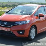 2015 Honda Jazz Diesel VX MT moving shot Review