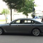 2016 BMW 7 Series side (1) spotted for first time post unveil