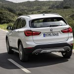 2016 BMW X1 rear quarters