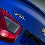 2016 Chevrolet Cruze Cruze badge and bowtie official image