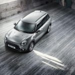 2016 Mini Clubman top front quarter official gallery surfaces
